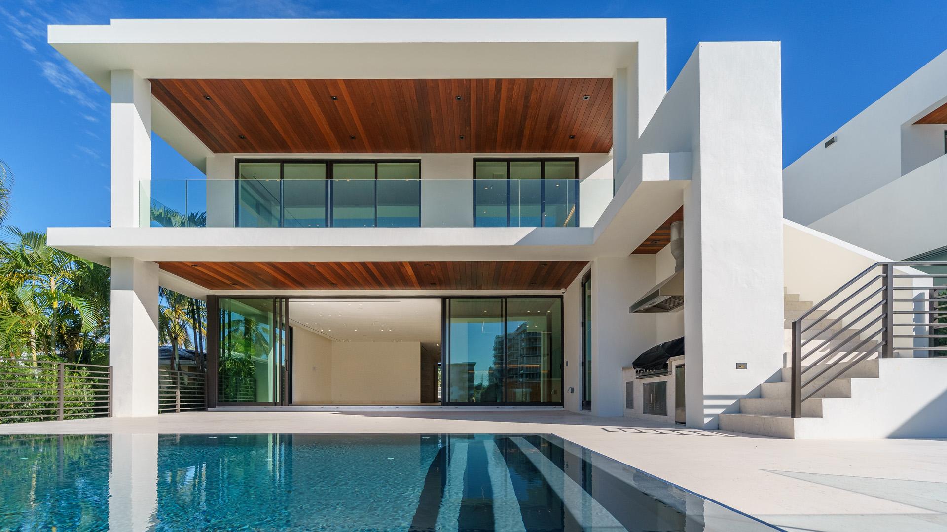 Casas Estepona real estate y Pisos Estepona real estate